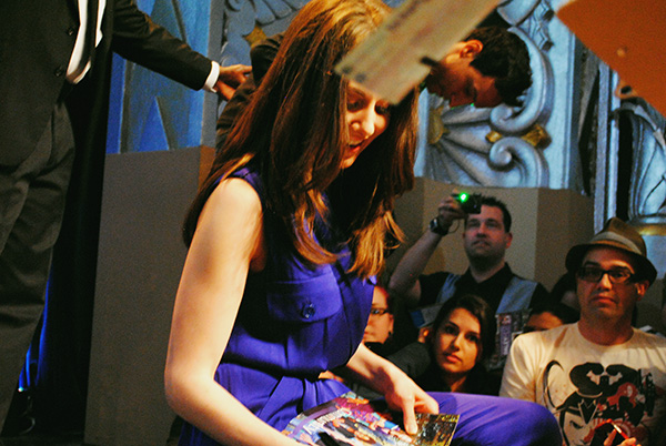 Alison-Brie-signing-autographs-at-Community-Cast-at-Paleyfest-photo-by-Live-the-Movies.jpg