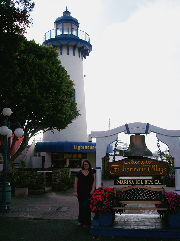 Christina-LeBlanc-with-Lighthouse-and-Bell-from-Arrested-Development-by-Live-the-Movies.jpg