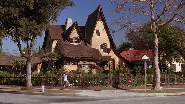 Beverly-Hills-Witchs-House-from-Clueless-1.png