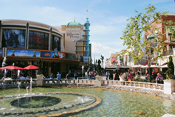 The-Grove-Hollywood-by-Live-the-Movies.jpg