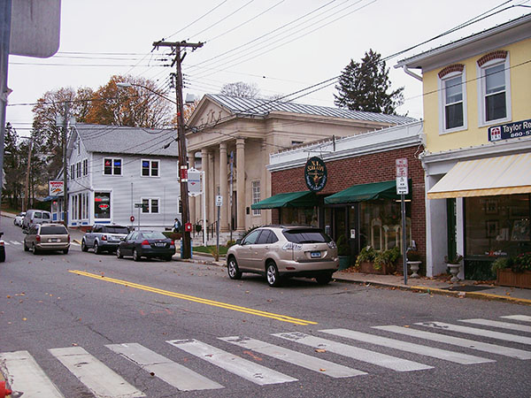 Mystic-Pizza-main-street-by-Live-the-Movies-2.jpg