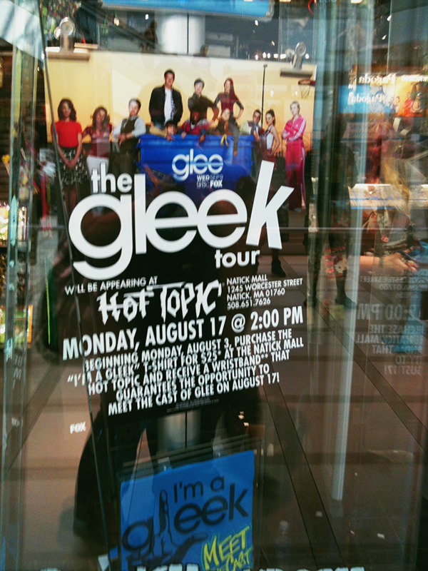 Gleek-Glee-Mall-Tour-Natick-MA.jpg