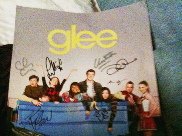 Poster-signed-by-Glee-cast-Glee-Mall-Gleek-Tour-photo-by-Live-the-Movies.jpg