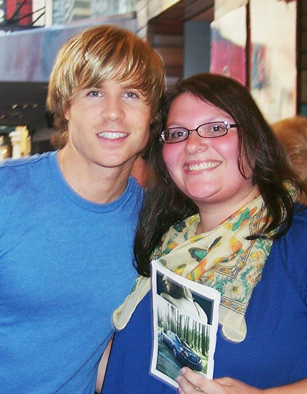 Christina-LeBlanc-with-Ashley-Parker-Angel-from-Hairspray-on-Broadway-photo-by-Live-The-Movies.jpg