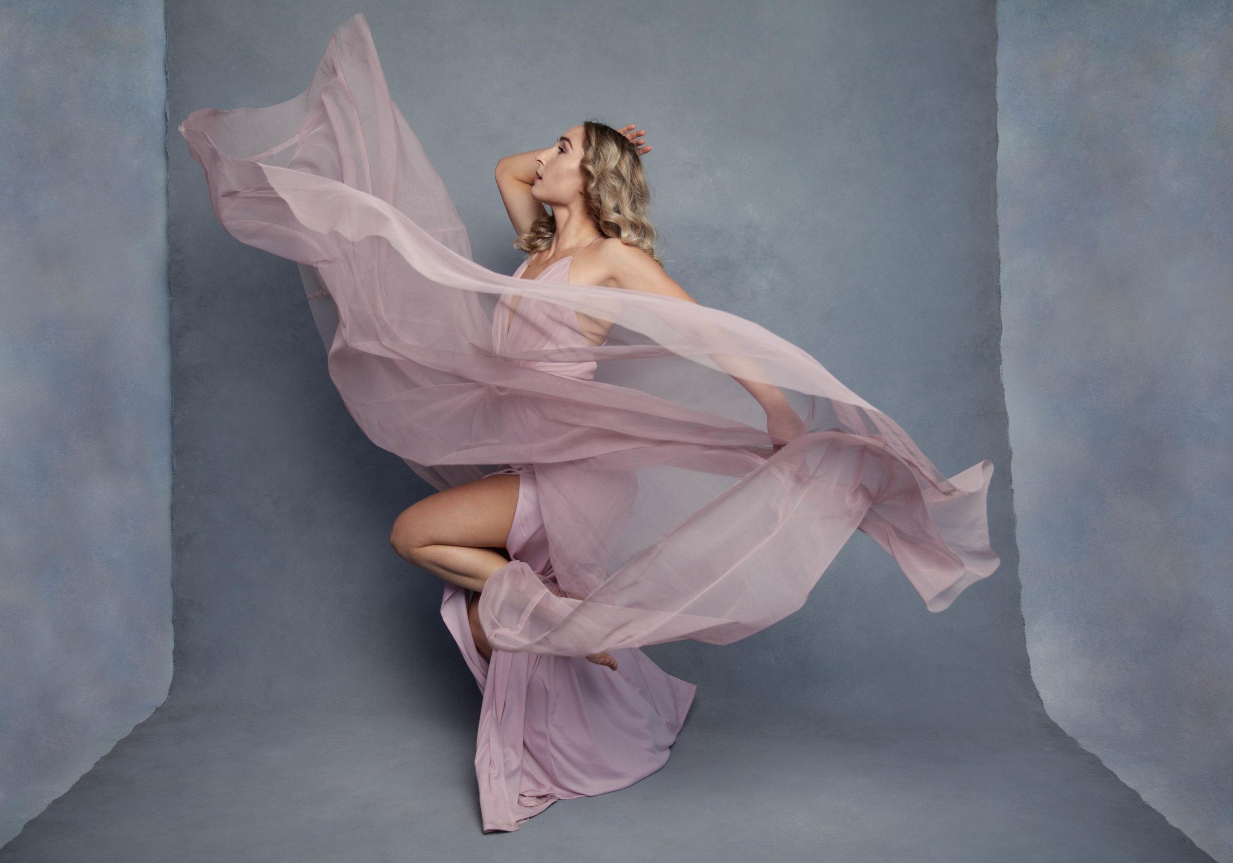 love-me-true-ballerina-dancing-portrait-auckland.jpg