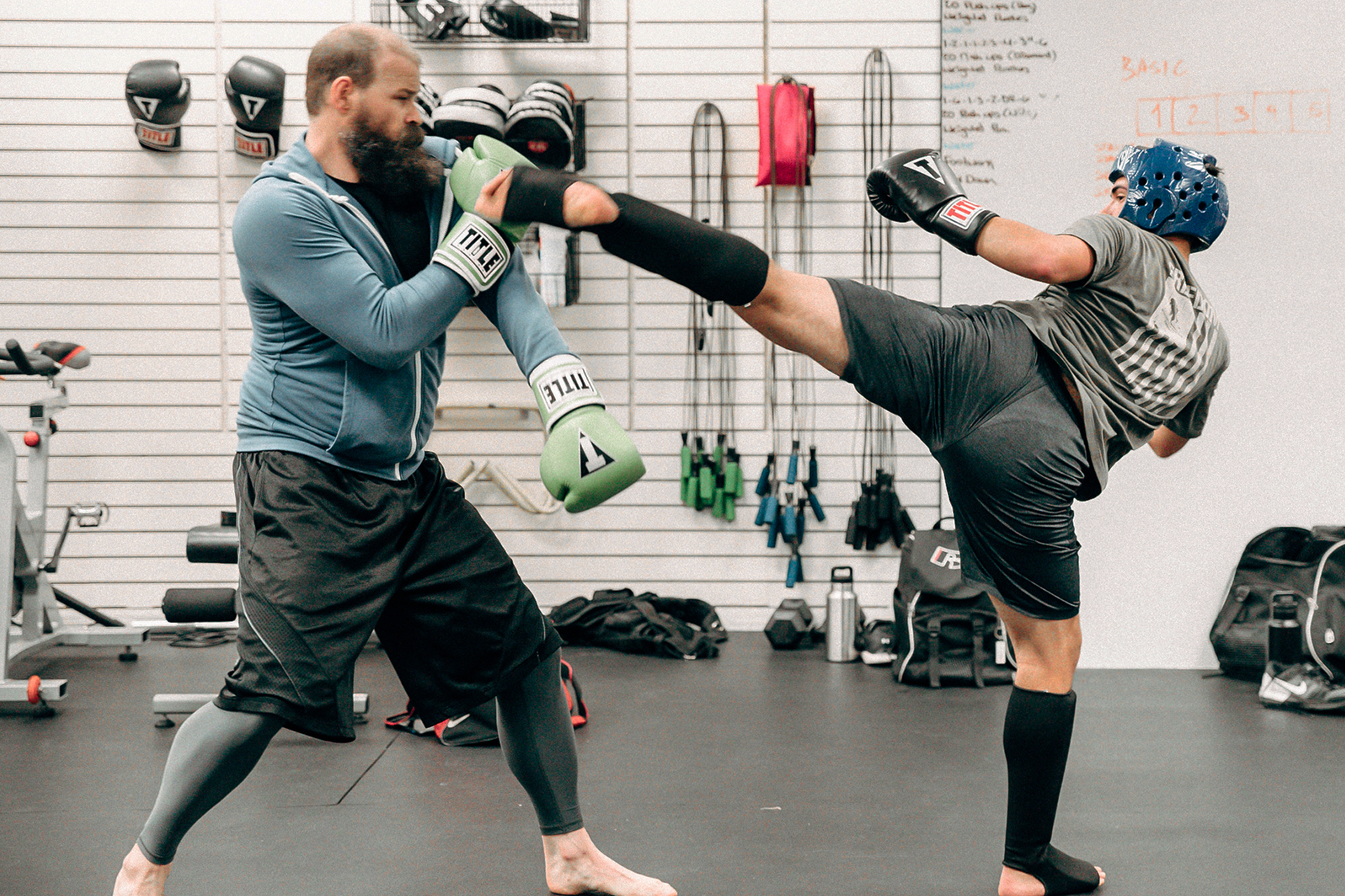 sparring - This advanced class is for those who want to take their boxing skills to the next level. Permission from the teacher is required.