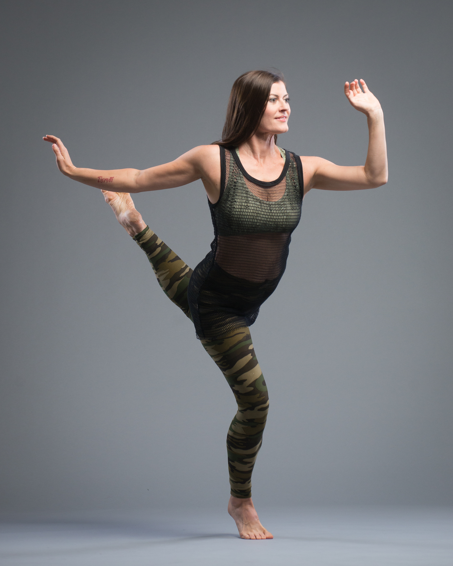 "Laura Rutledge - Laura is a professional ballet and modern dancer and a classically certified Pilates instructor. She began her Pilates training in 2000 while dancing with the State Street Ballet in Santa Barbara, CA and she continued to incorporate the method into her daily training regimen. In 2010, she moved to New York City to dance with the Lar Lubovitch Dance Company. When she retired from her performance career, she completed her 650-hour Comprehensive Pilates certification through Power Pilates.She taught for a wide variety of institutions while living in NYC, including dance intensives at the Joffrey Ballet School and Lar Lubovitch Dance. Laura has recently added the role of mother to her resume and in addition to Pilates, also teaches ""Mini & Me"", a fitness class for parents and their babies.Laura strives to help her students push themselves past their perceived limits with encouragement and humor. At the same time, she respects that everyone has different strengths and weaknesses, so she tailors classes with various modification options in order to meet everyone's individual needs. Above all, she asks each person to listen to their body and trust their instincts. ""My goal is to provide a fun and safe class environment while building strength, flexibility, and stamina."""