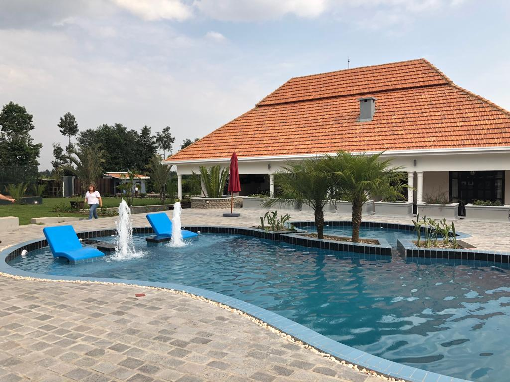The compound has both a pool and a tennis court, with five bedrooms all ensuite.