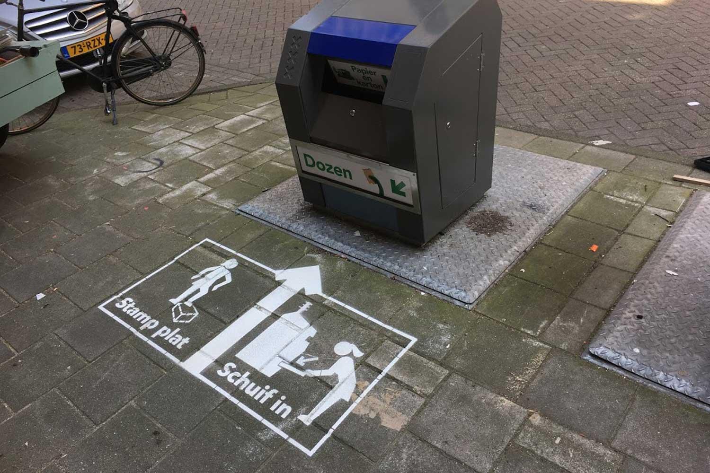 Stamp plat , schuif in campagne genereert publieksvoorlichting over aangepaste kartonnen containers.  Download evaluatierapport hier