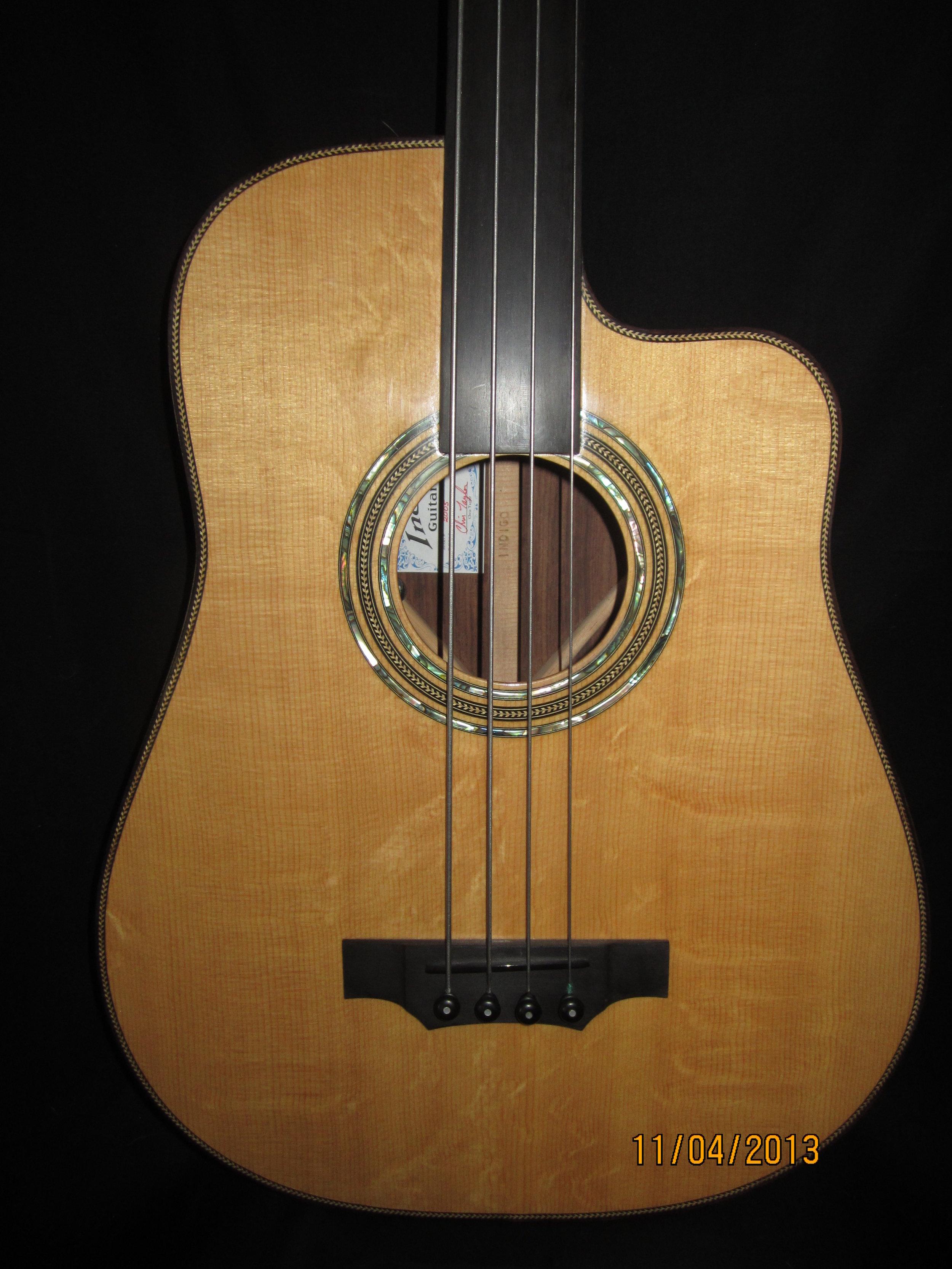 fretless dread cutaway bass 805.JPG