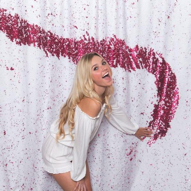 You can draw on our backdrops!  #cool #sequins #photobooth