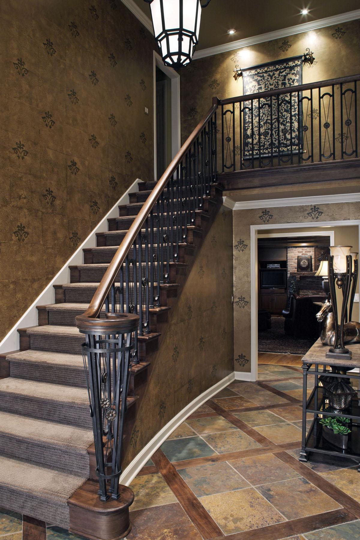 Transitional-Entry-Stairway.jpg