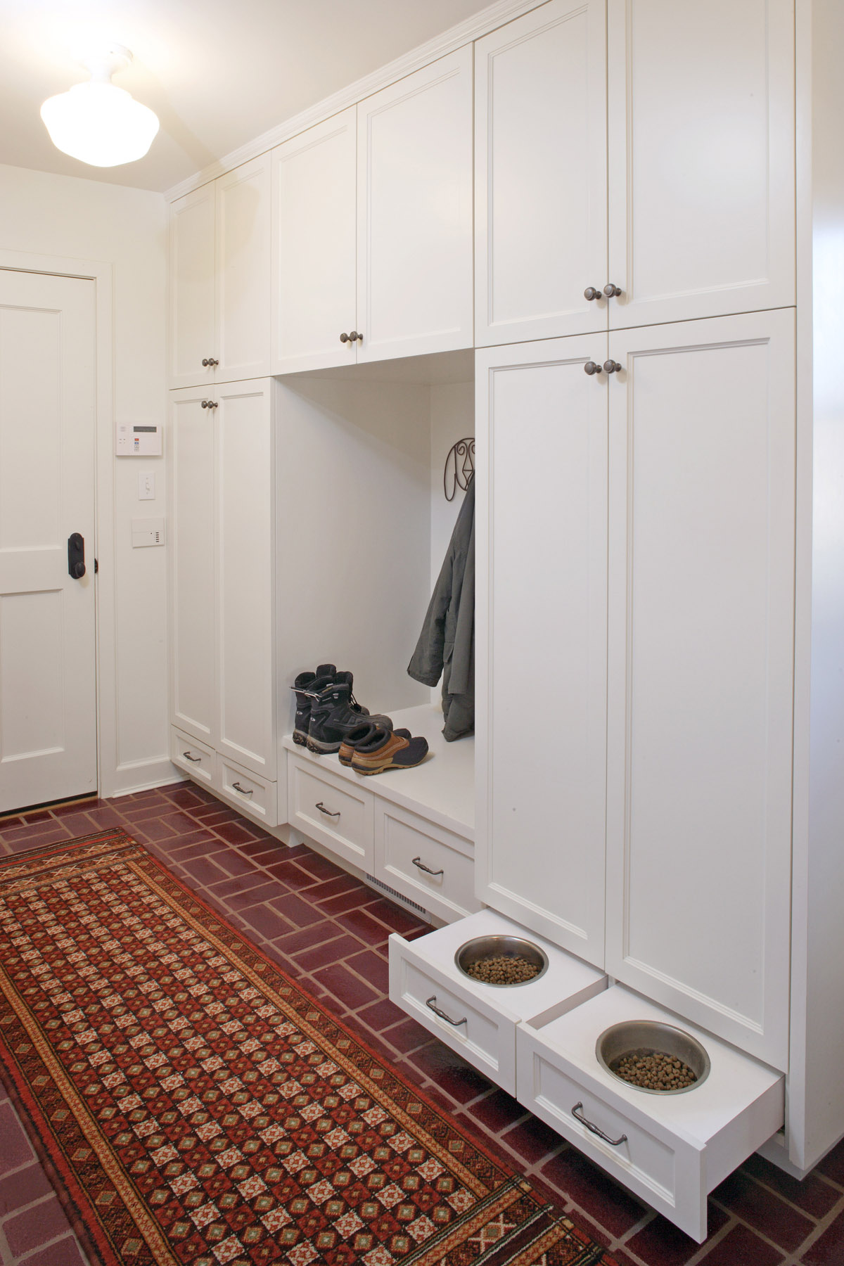 Custom-Mudroom-Cabinets.jpg