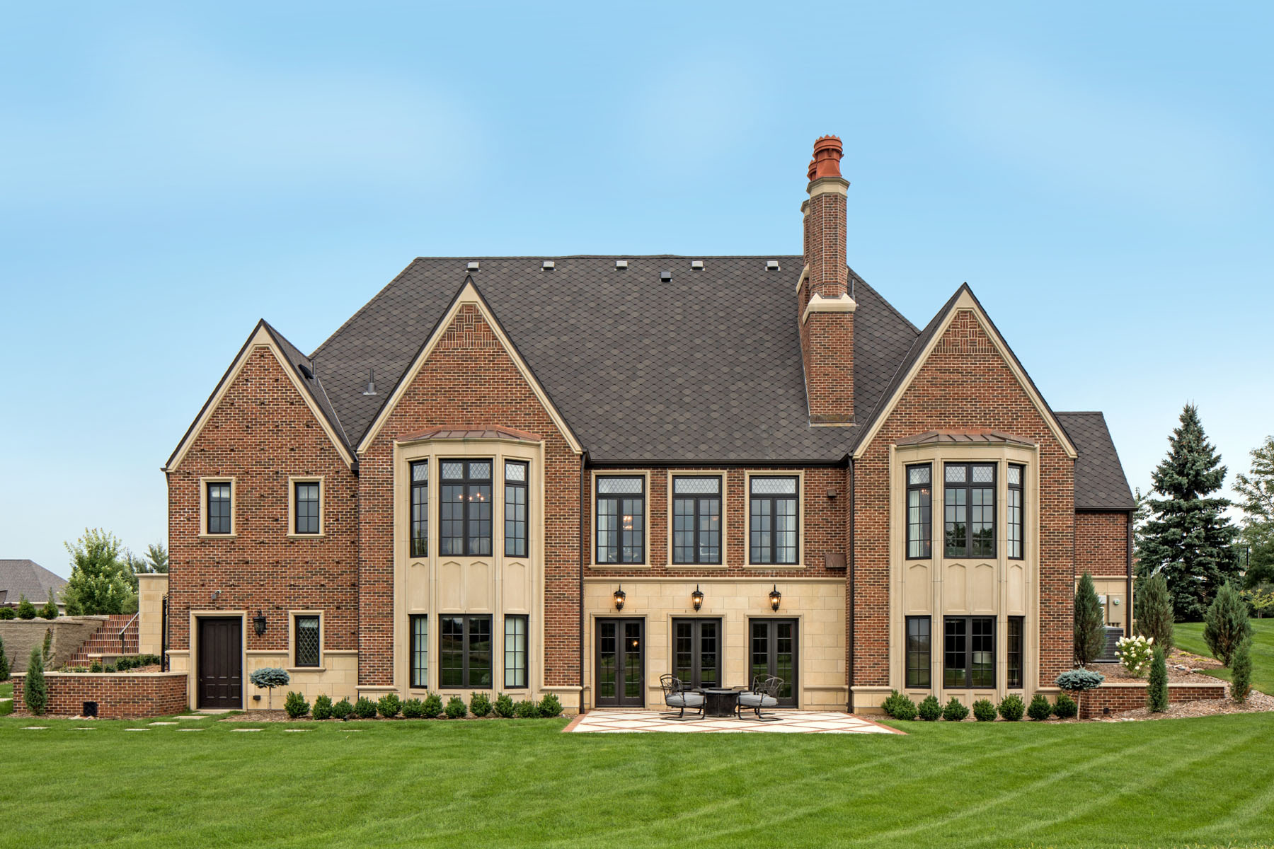 English-Tudor-Home.JPG