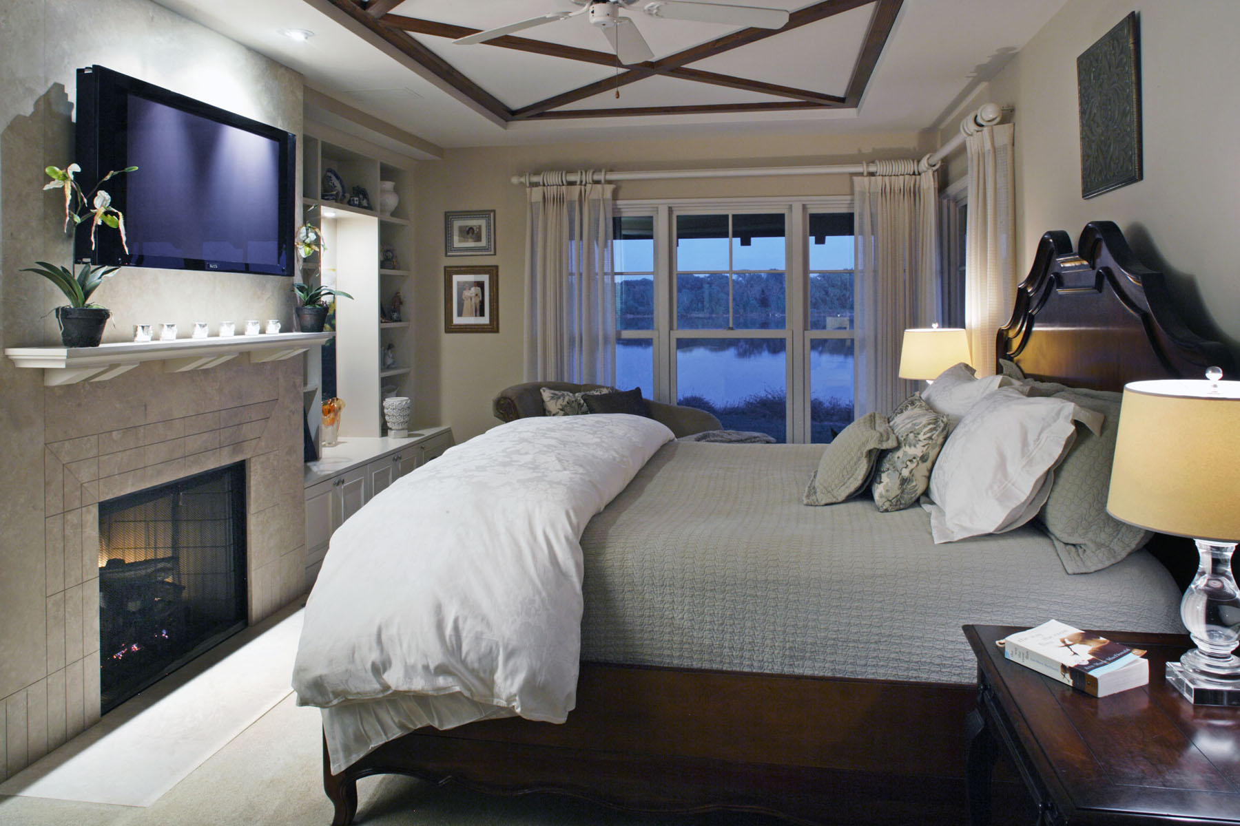 Master-Bedroom-Fireplace.jpg