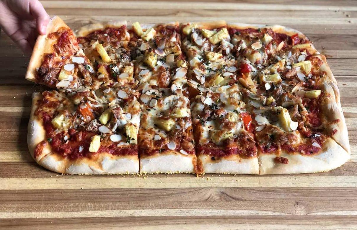 hawaiian pizza 2.jpg