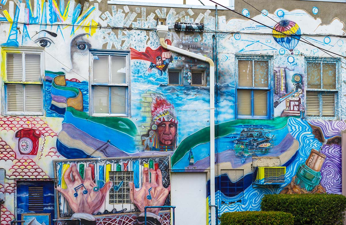 The mural behind the Quinn Building at the corner of 2nd Avenue and Rose Street