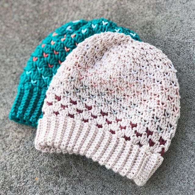 It's time to revive this Instagram page. I have been having such an awkward relationship with my book & yarn for the past few months. But now that fall is almost here, I need to stop being silly and jump back on the crochet train. Market prep season is here!! ••• Hat: #SheldonOmbreSlouch Pattern: #SheldonSlouch by @larjcrochets Yarn: #CaronxPantone • • • #LarJcrochets #crochet #crochetaddict #crochetersofinstagram #instacrochet #thehooknookers #crochetlife #makersgonnamake #makerstribe #crochetfairisle #fairislecrochet #ShellStitch #crochetpattern