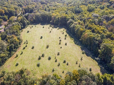 Check out these beautiful aerial photos of the @clearviewfarmpreserve residential development property. This NEW subdivision is located in historic Cheshire, Connecticut and will feature 11 half-acre lots on a new town road. This prime location is adjacent to town & state owned open space and is just one mile from the Farmington Canal Heritage Trail for walking, biking & running. 🏡🏃🏻♀️ Sales are open NOW.  Email clearviewfarmpreserve@gmail.com to learn more.  #connecticutrealestate #newhomes #cheshire #cheshirect #residentialdevelopment #pinnaclelanddevelopment #clearviewfarmpreserve #subdivision #cthomes #property #realestate #homebuyers #dreamhome #realtor #ctliving #connecticut #ctrealestate #newconstruction #newconstructionhomes #connecticut