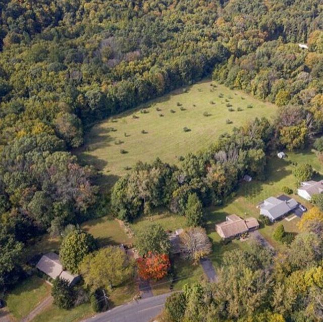 Clearview Farm Preserve is a NEW residential development in Cheshire, CT. A unique piece of land, the property is adjacent to town-owned open space, allowing for privacy and the preservation of the surrounding natural elements. 🌳  A prime location, the development is within easy access to Route 70, Route 10, I-84, I-691, and is less than one mile from the Farmington Canal Heritage Trail. Build your dream home now! 🏡  Email clearviewfarmpreserve@gmail.com to inquire about sales or learn more. 📷: the Clearview Farm Preserve property  #connecticutrealestate #newhomes #cheshire #cheshirect #residentialdevelopment #pinnaclelanddevelopment #clearviewfarmpreserve #subdivision #cthomes #property #realestate #homebuyers #dreamhome #realtor #ctliving #connecticut #ctrealestate #newconstruction