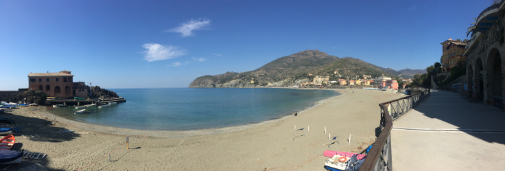 levanto-beach-pano.jpg