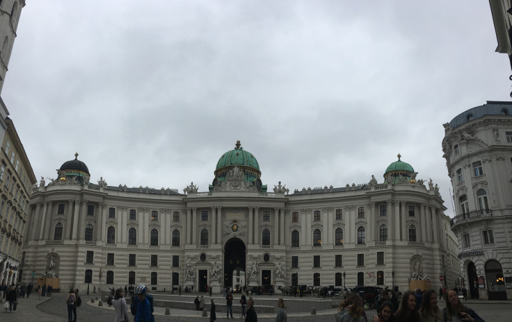hofburg-palace-front-pano.jpg