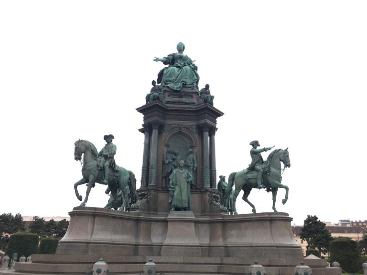 maria-theresia-statue.jpg