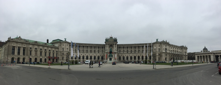 vienna-museum-by-parliament.jpg