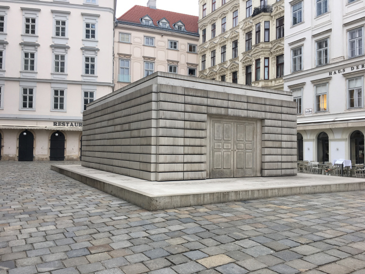 jewish-ghetto-memorial-for-those-lost-during-the-nazi-regime.jpg