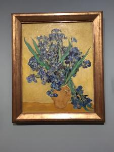 van-gogh-museum-vase-flowers.jpg