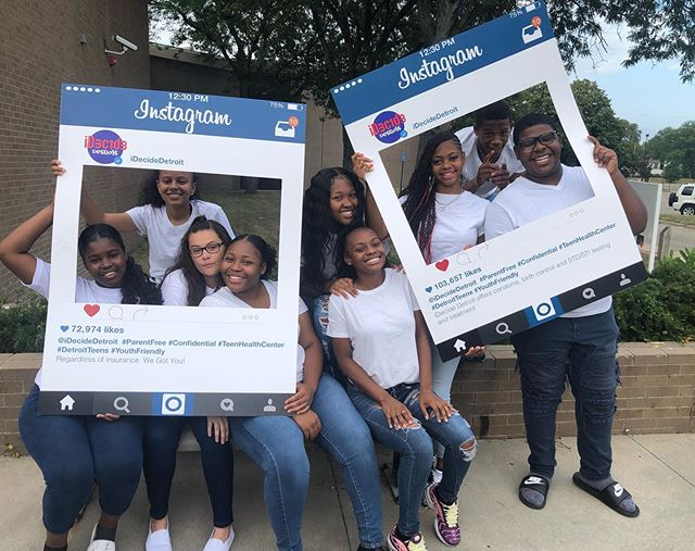 Our P.E had so much fun teaming up with @idecidedetroit for the second year of the annual teen health photo shoot🎦. Thanks again to the idecide team for teaming up with our youth to spread the word about healthy living 👍🏽