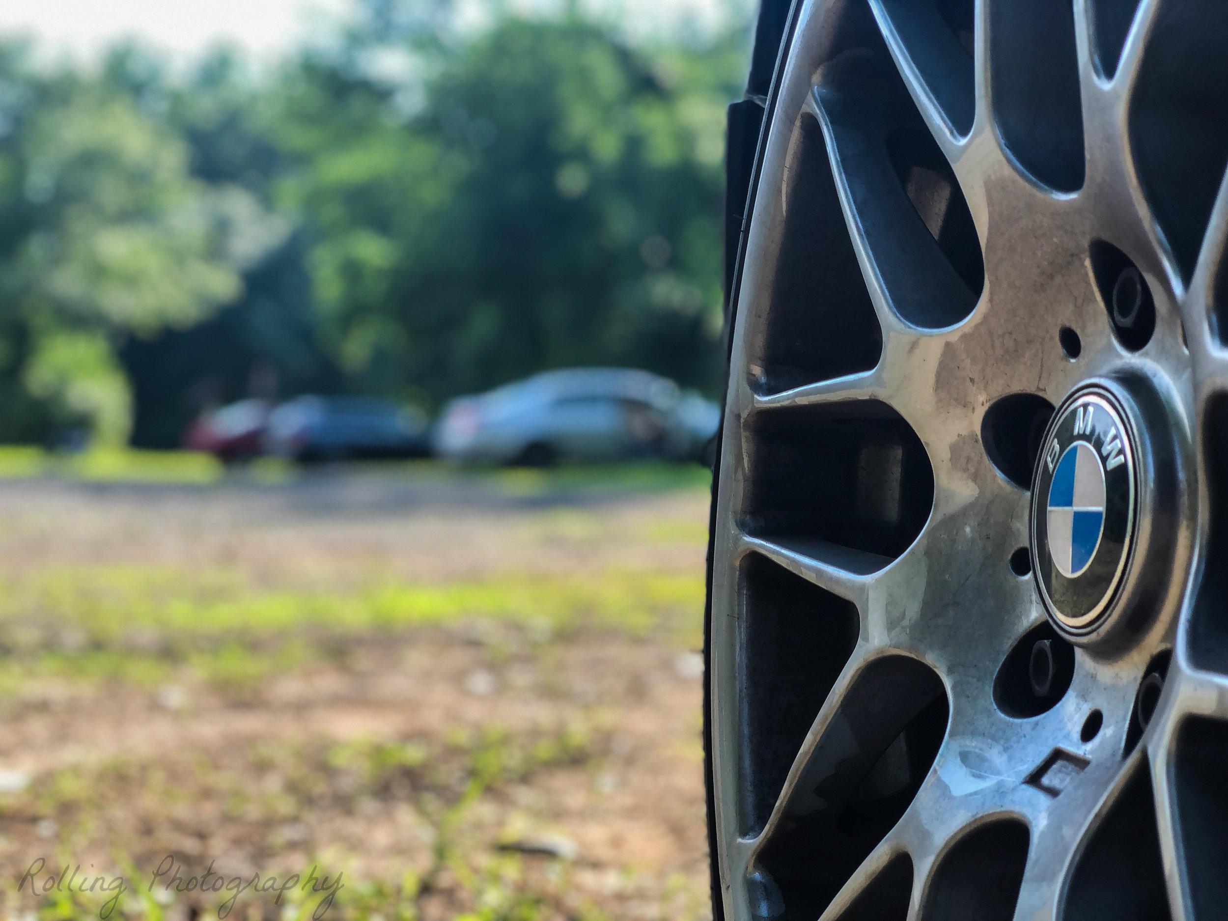 bmw 330ci wheel shot.jpg