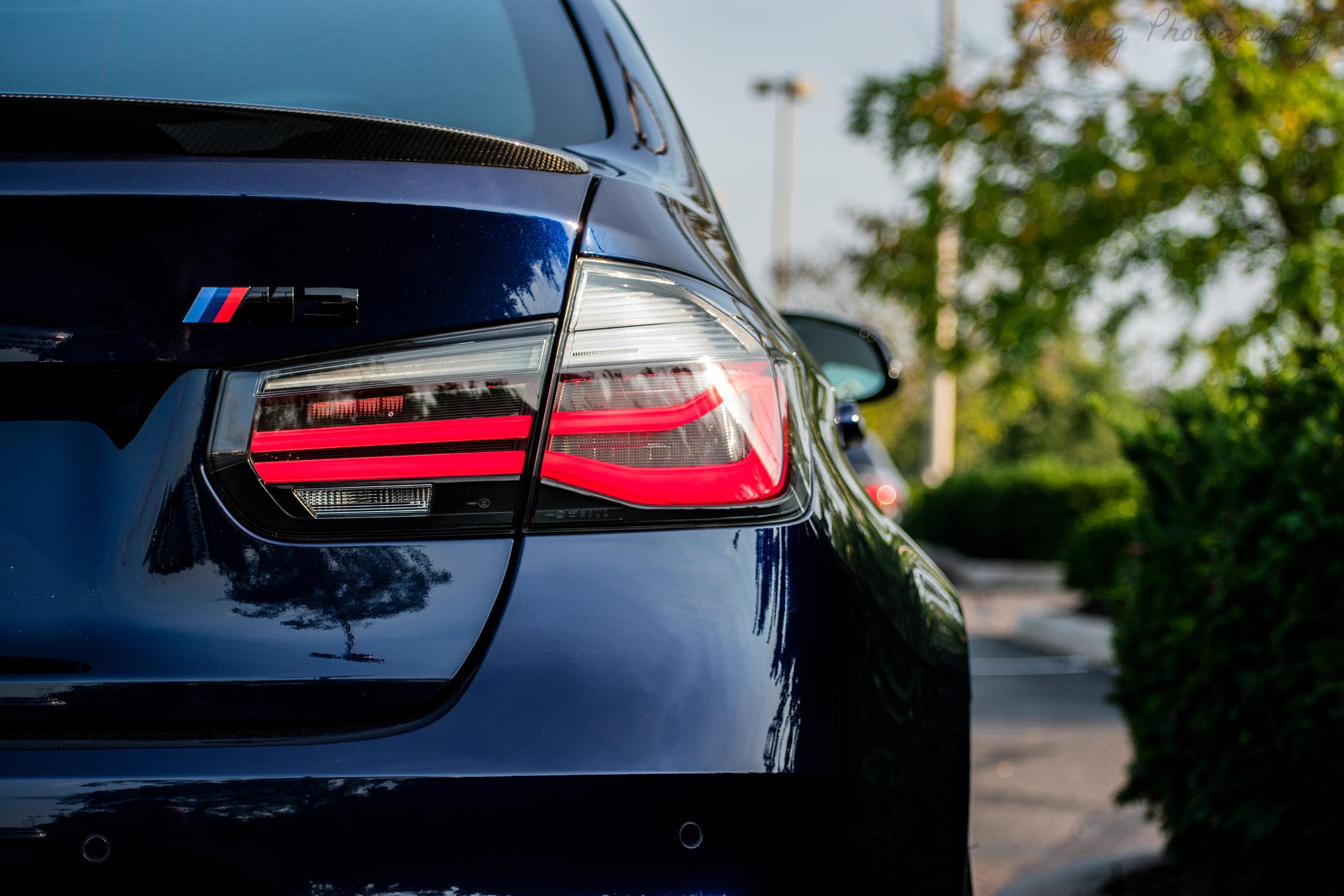 F80 M3 rear insignia+Light.jpg