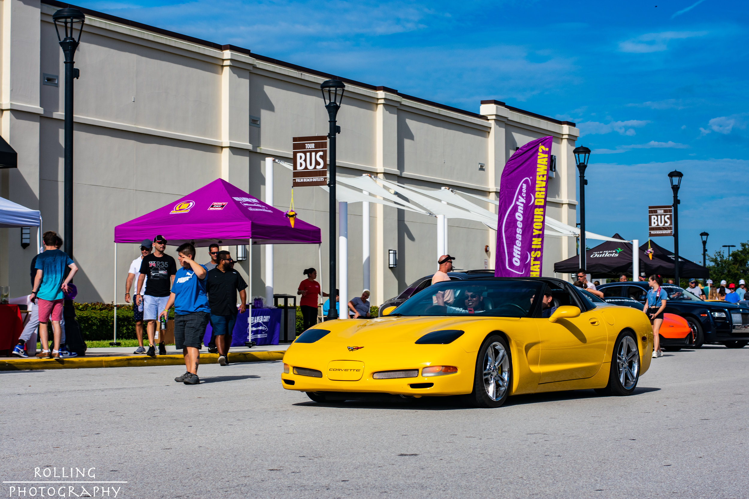 Yellow Corvette C5.jpg