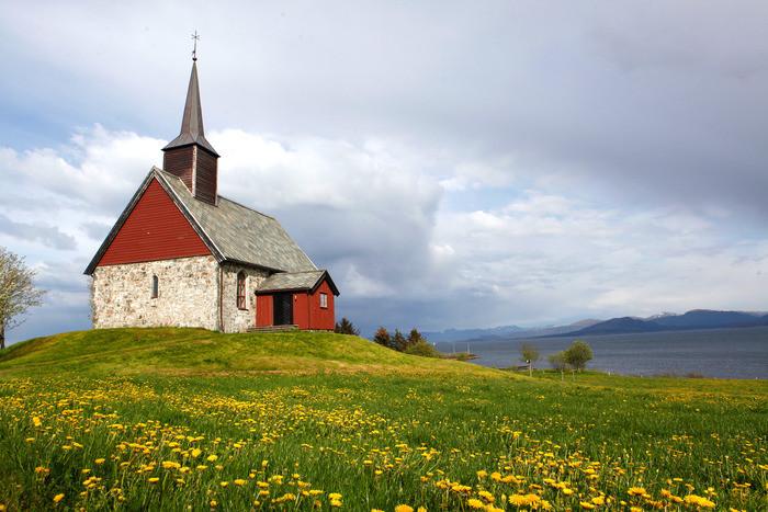 edoy gamle kirke.jpg