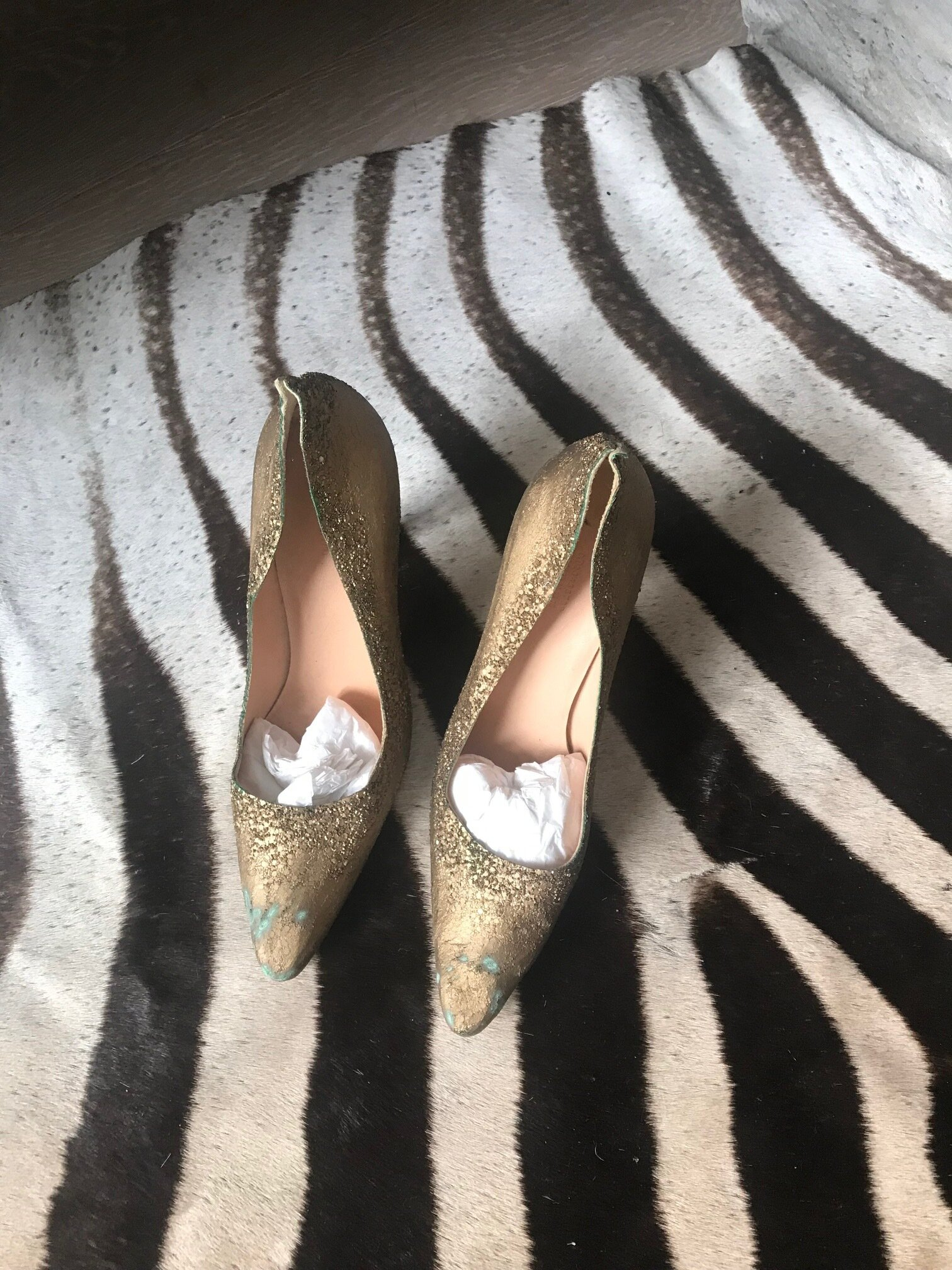 MMM GOLD AFTERPARTY PUMPS_LESLEY MACLEAN.jpg