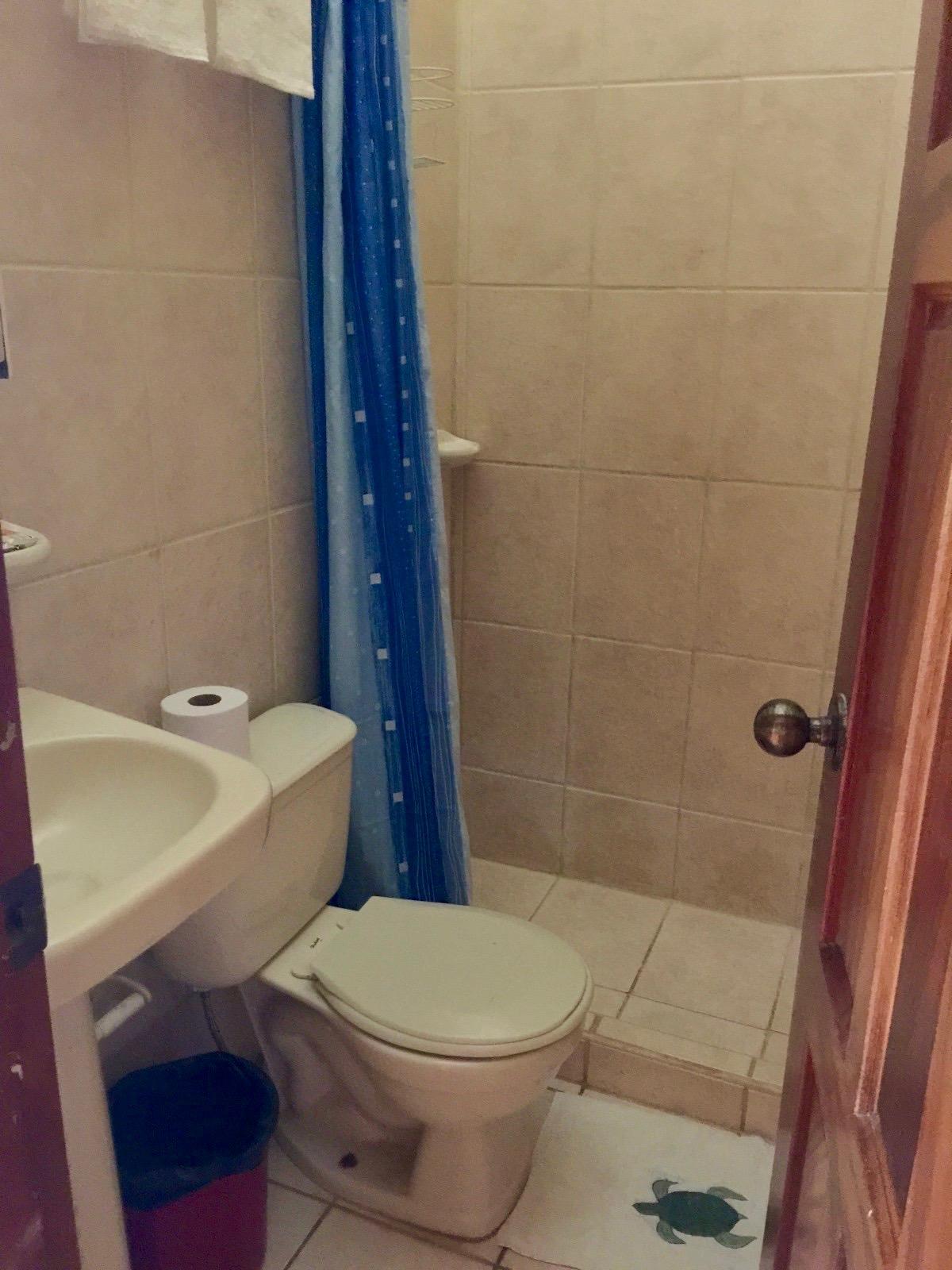 baños ostional.jpg