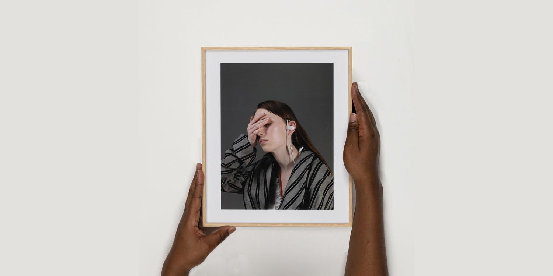 Copy of Sarah Dobai – Harri with earphones