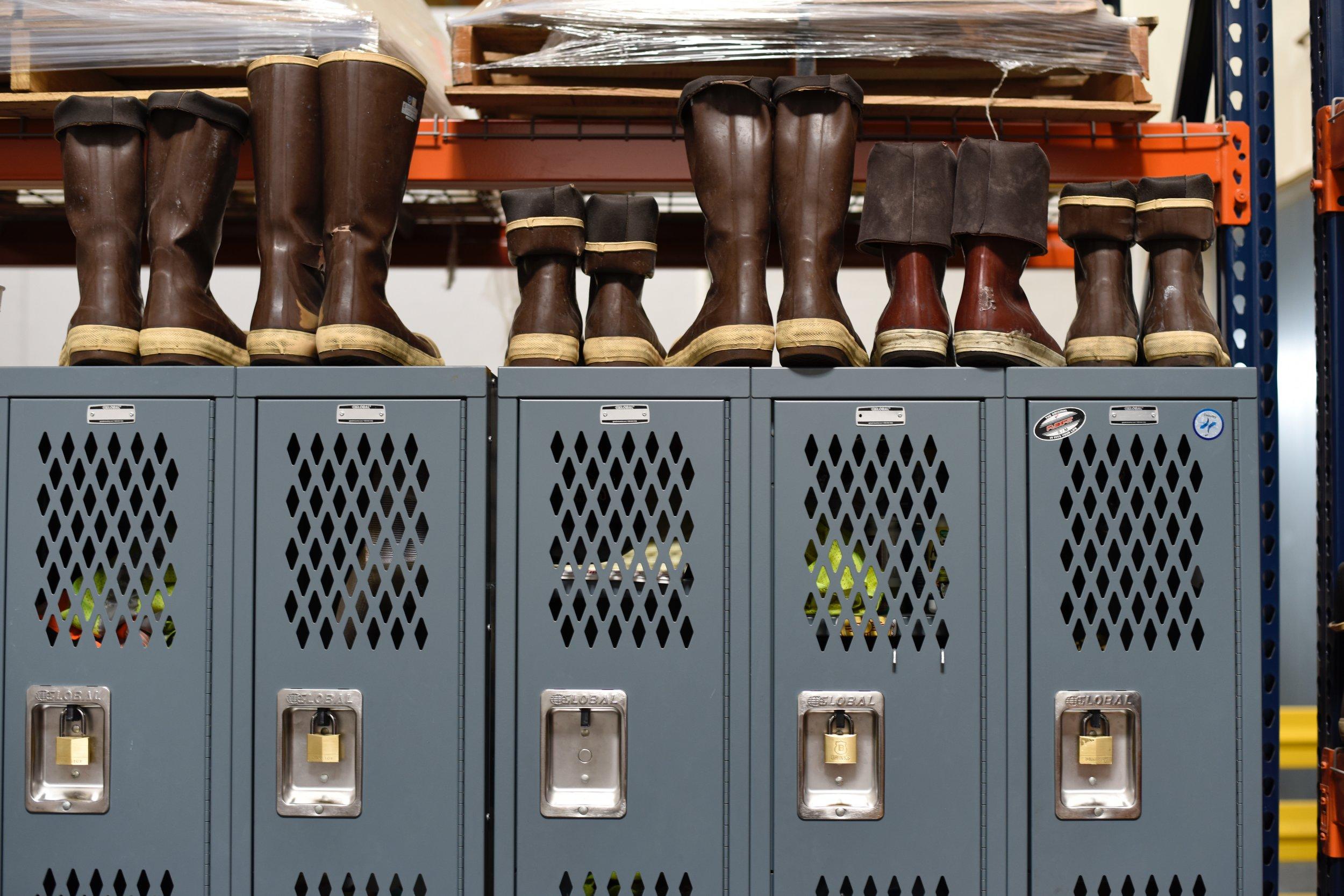 boots-cabinets-data-1267362.jpg
