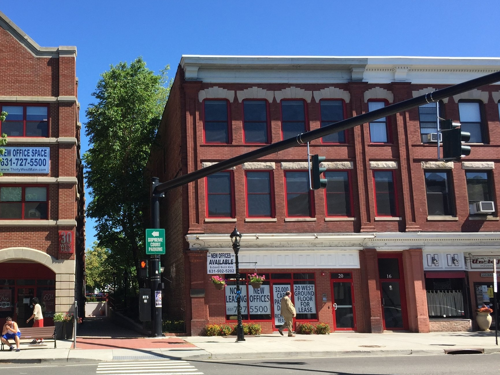 SPACE AVAILABLE20 West Main Street, Riverhead, NY -