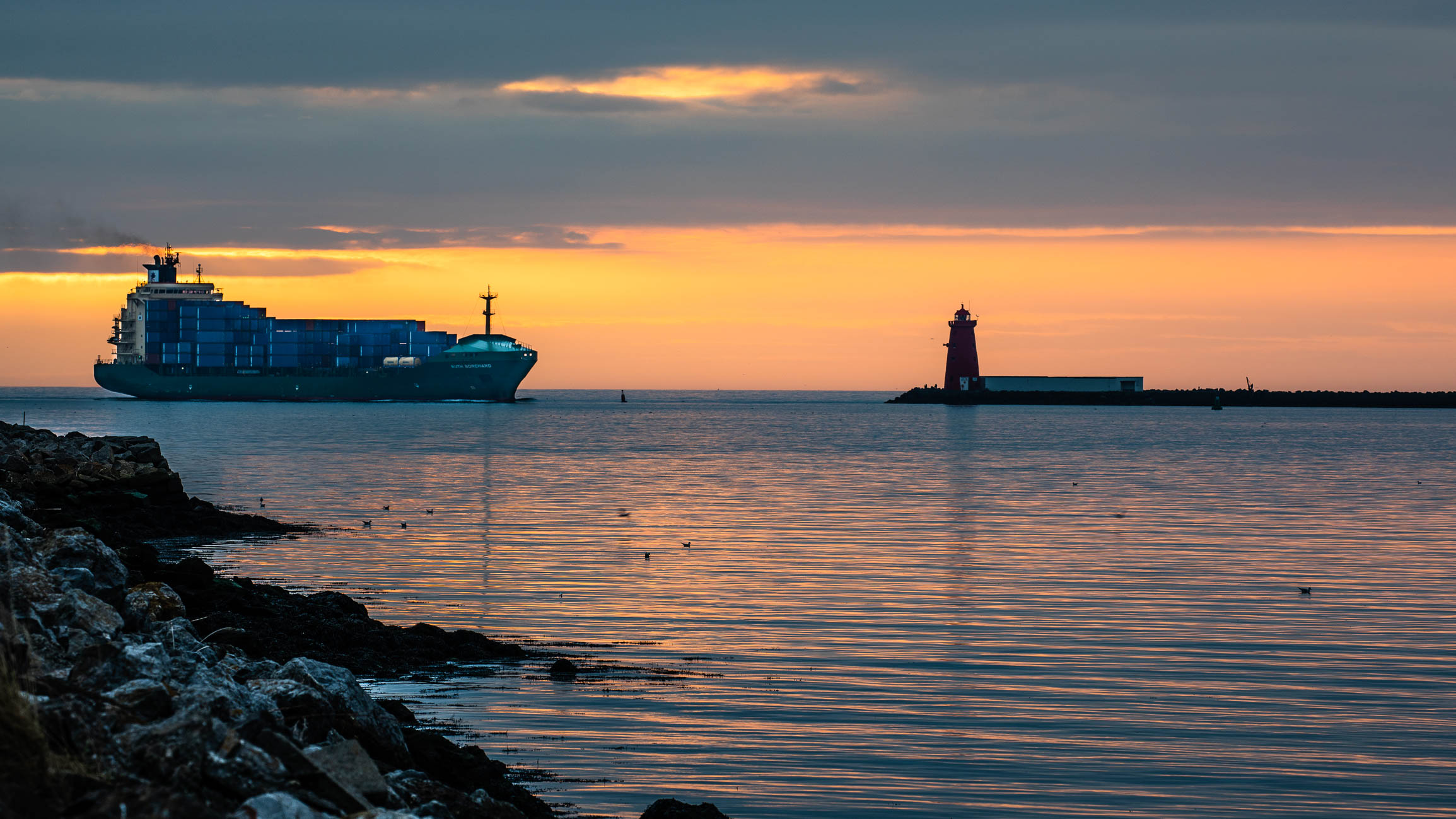 Cargo shop at sunrise-3714.jpg