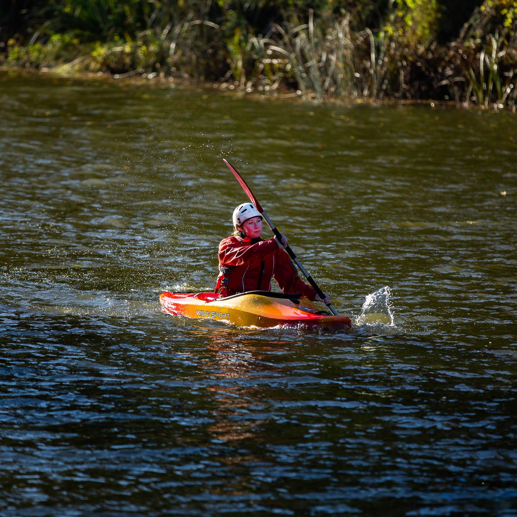 Kayak-1895.jpg