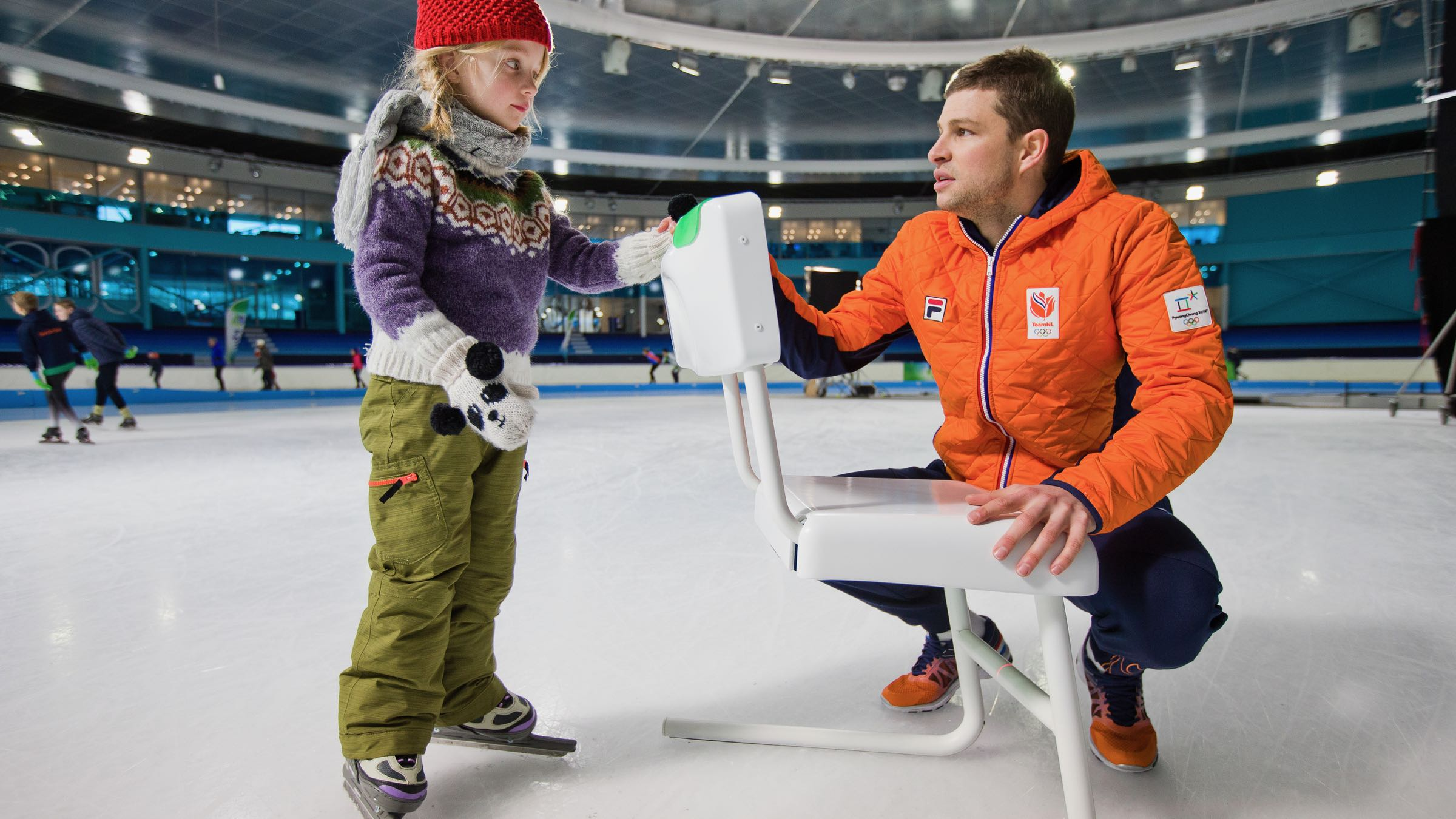 KPN SchaatsstoelA 'smart' chair designed to teach kids how to ice skate. - Client: KPNRead more —>