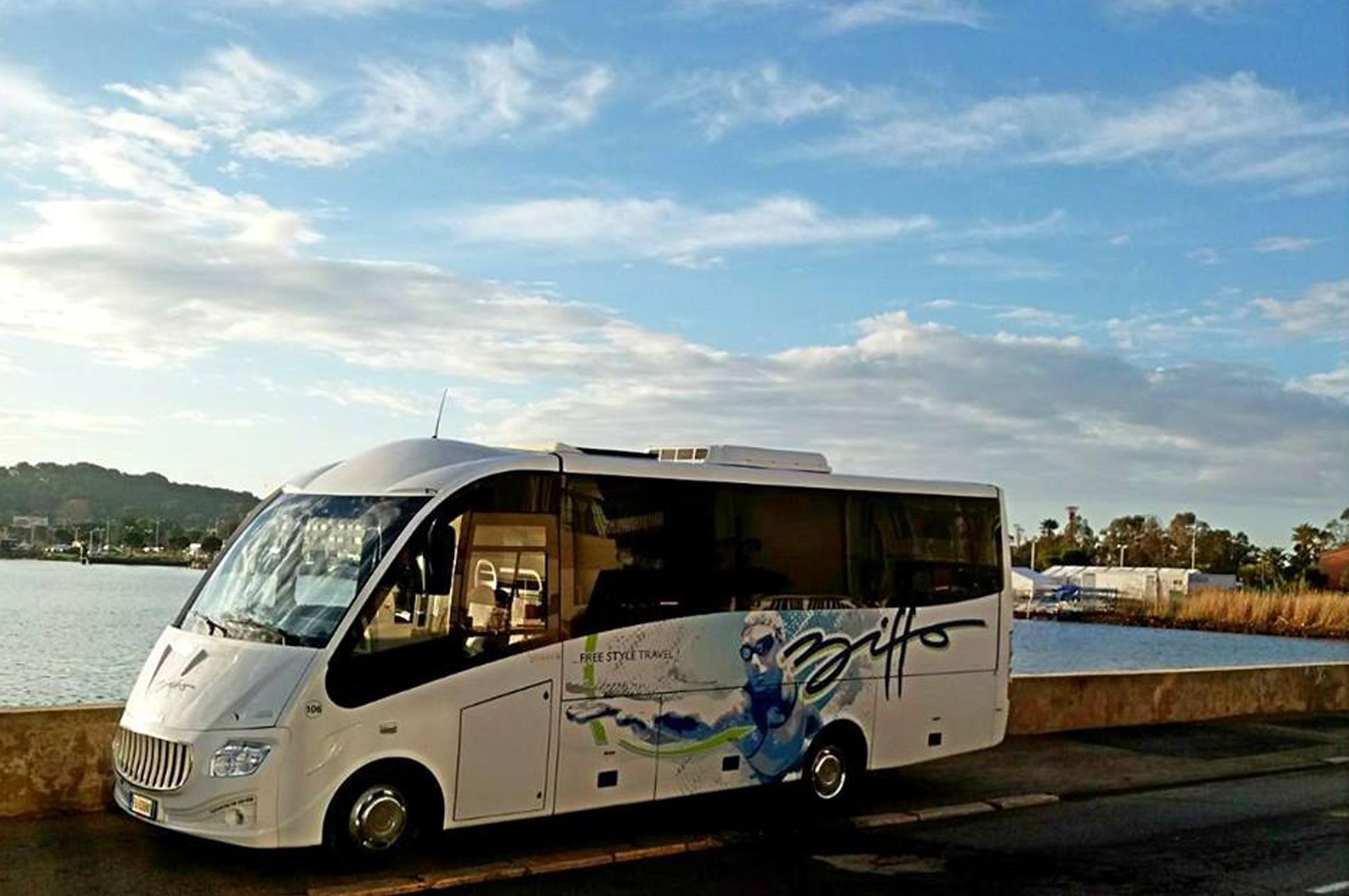 Possibilità di noleggiare i nostri minibus per spostamenti di piccoli gruppi di persone gruppo biffo bra cuneo piemonte