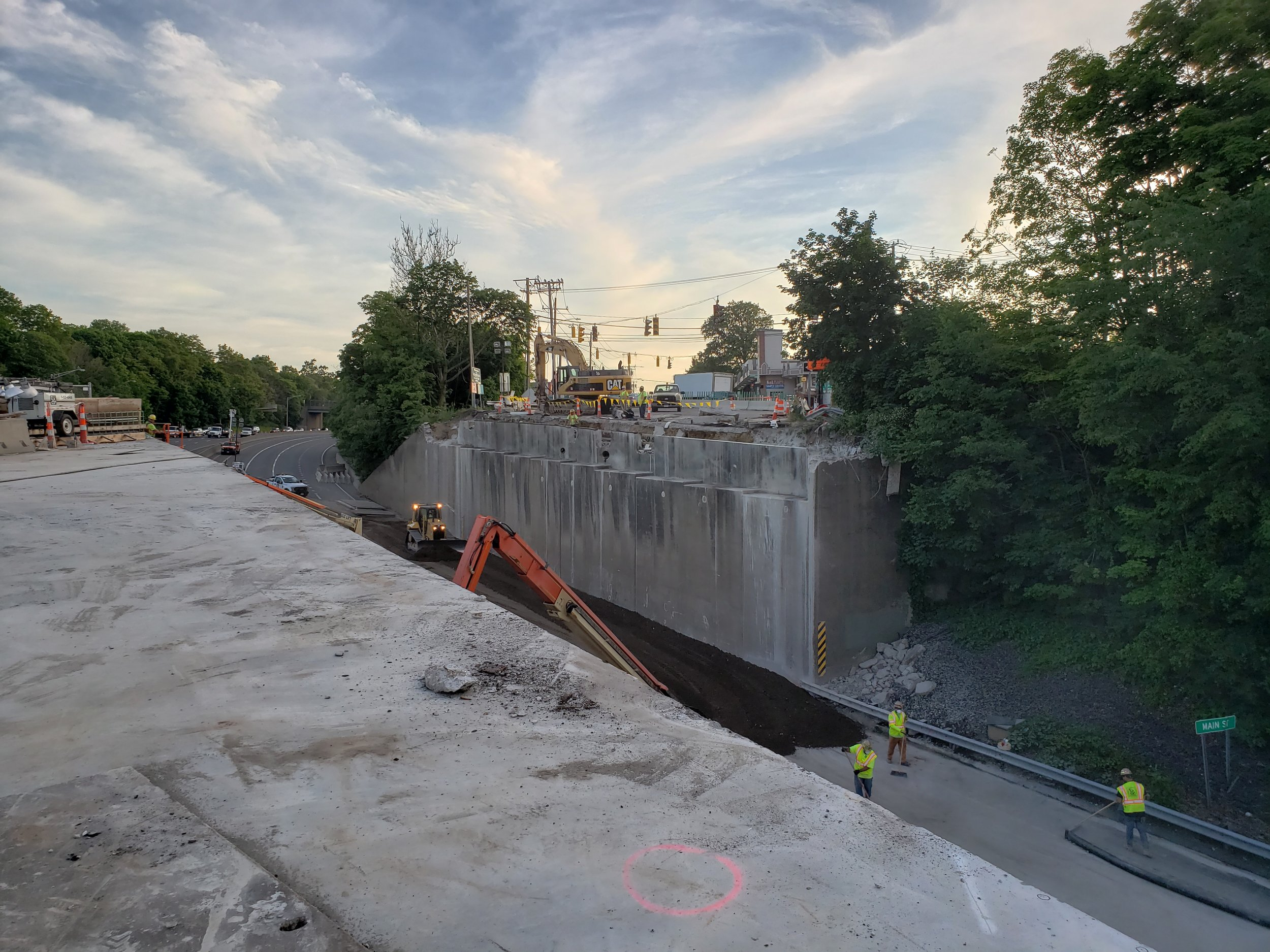 Bridge deck and girders removed over Southbound I-95.