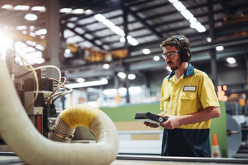 Manufacturing-equipment-operator.jpg