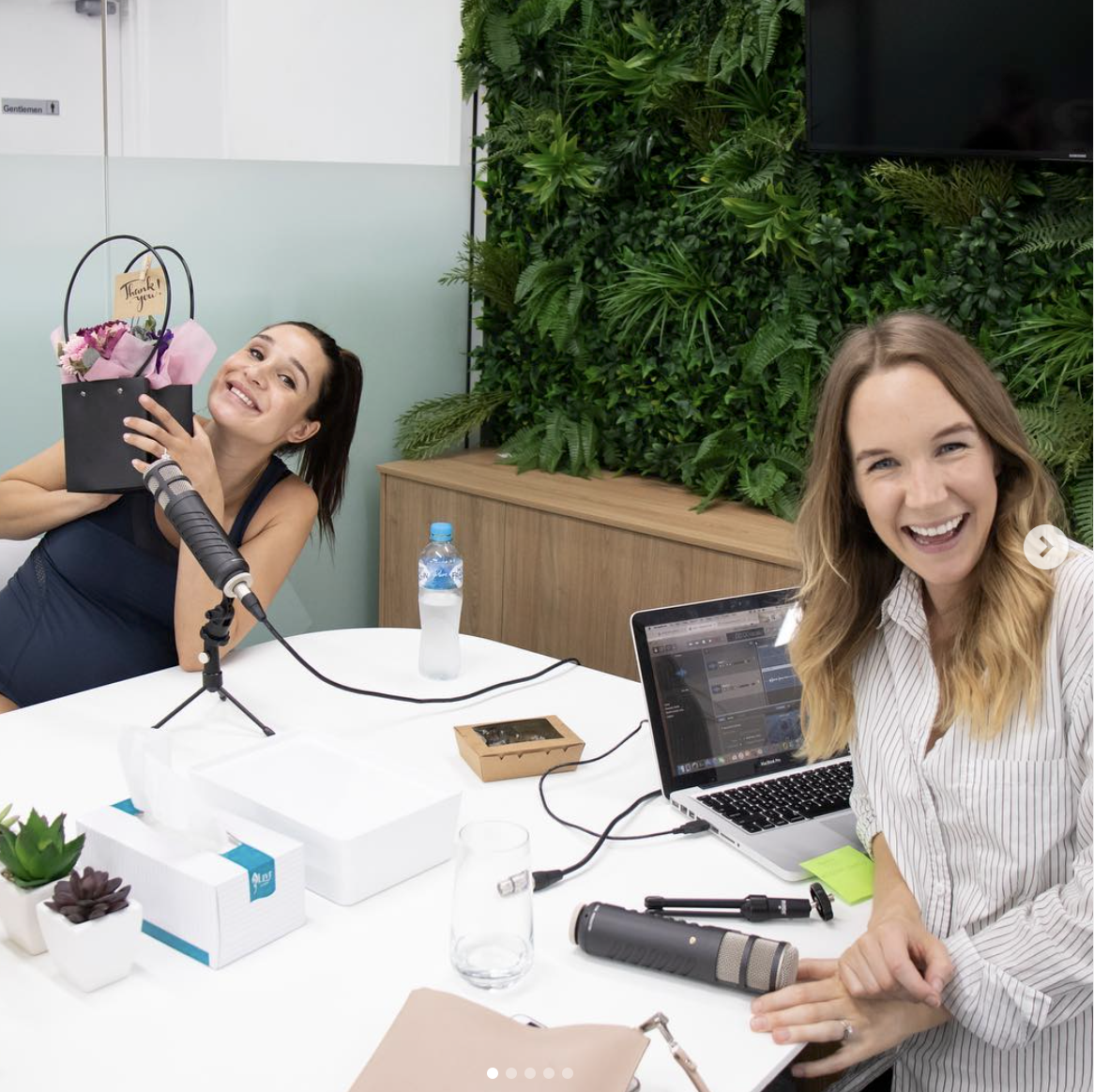 Host of 'The Healthy Hustlers Podcast' Madelyn Carafa interviews Insta-famous trainer Kayla Itsines. Photo via @TheHealthyHustlers