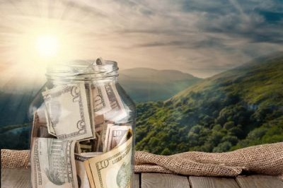 On Tour Gratuities - When traveling on a trip your group will come in contact with individuals that go above and beyond in enhancing your trip. See GoPlay's suggestion on gratuities.