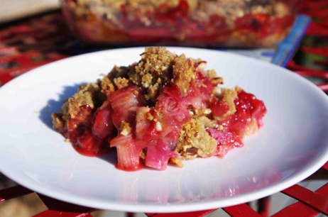 StrawberryRhubarbCrisp.png