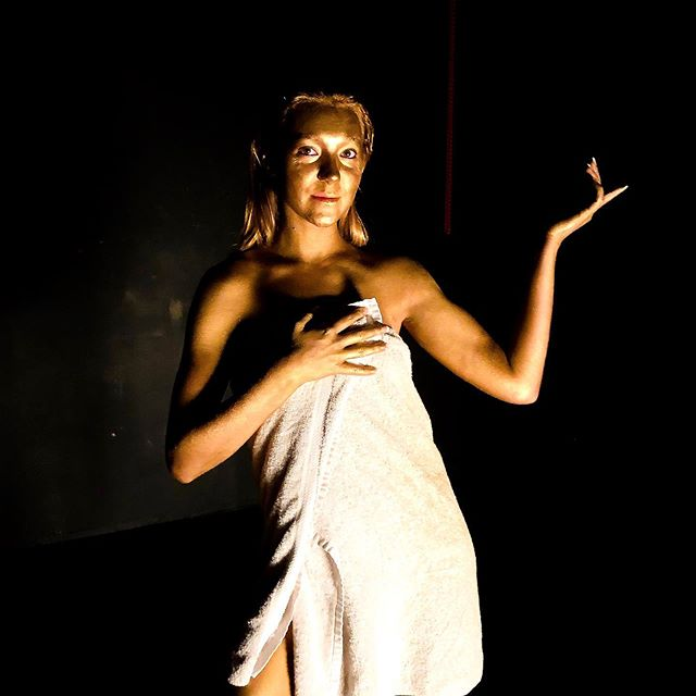 Behind the Scenes: full gold shot. Had to get a gold statue pose before shooting. Did I pass?😜 ••••••••••••••••••••••••••••••••••••••••••••••• #laactors #newrelease #losangelesmodel #lamodel #laactress #laphotos #independentartist #musicvideoshoot #musiclabel #lasingers #indievideo #singersongwriter #originalmusic #electronicmusic #songwriter #dancetrack #indiesong #dancepop #indiemusic #popdance